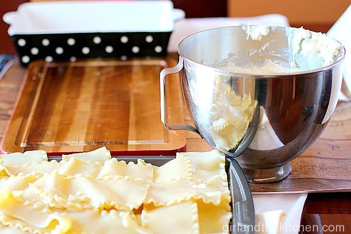 Roasted Creamy Garlic Lasagna Roll-Ups-001