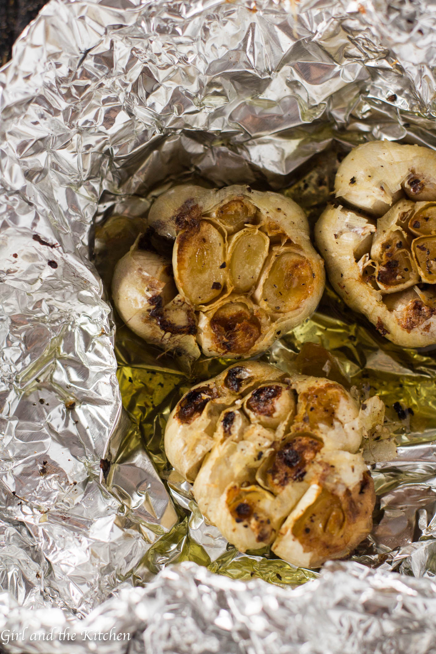 Did you know that there is a secret to restaurant dishes? Yes I mean other than butter. It's roasted garlic. And the beauty is that it's super easy to make.