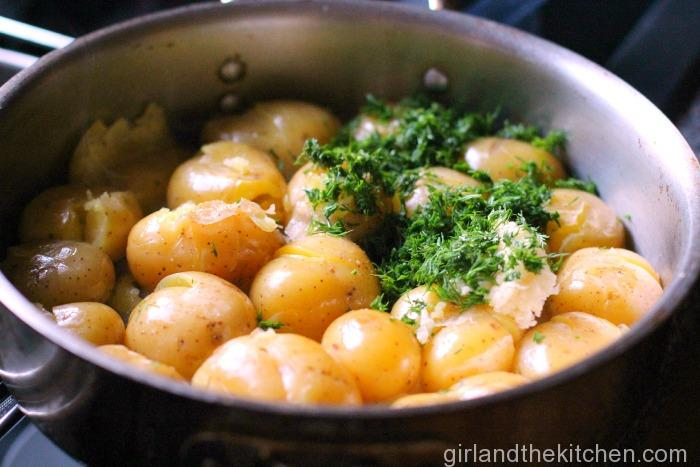 Pan Roasted Dill and Garlic Potatoes-003