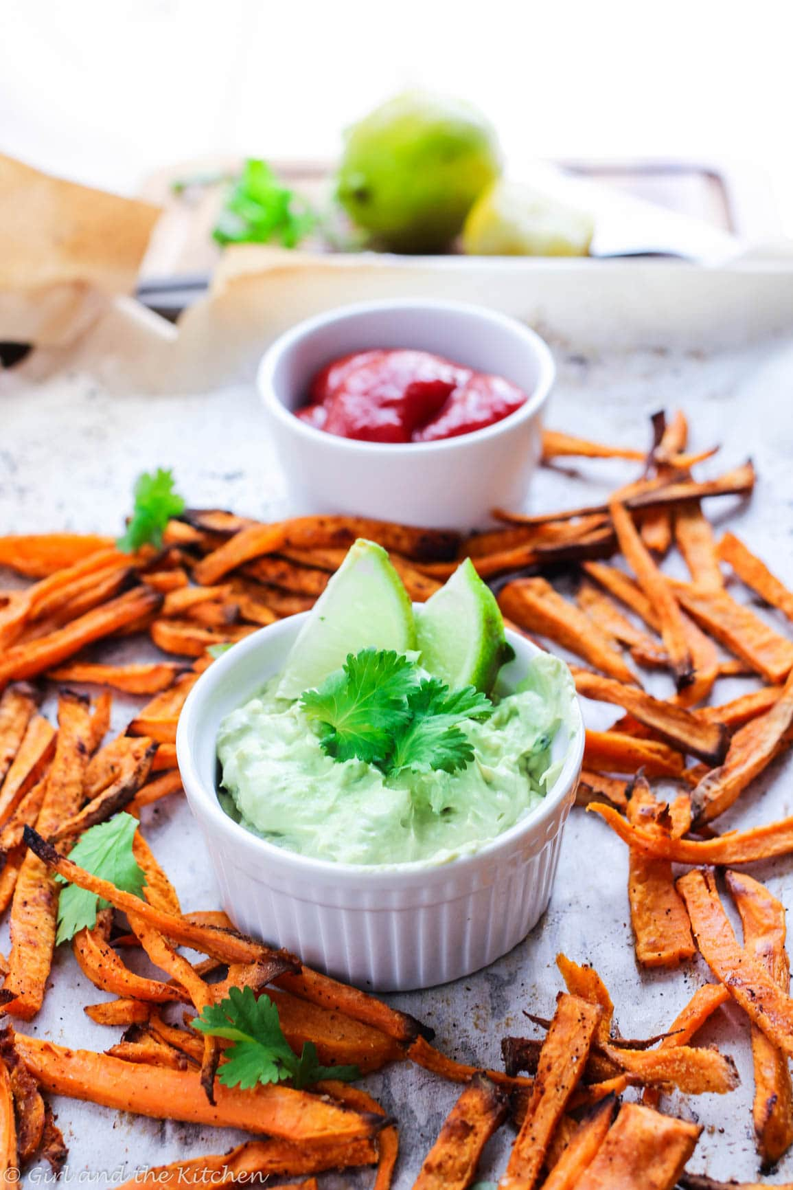 Learn how to make baked sweet potato fries that are super crispy, spicy and perfectly dipped in a healthy aioli!