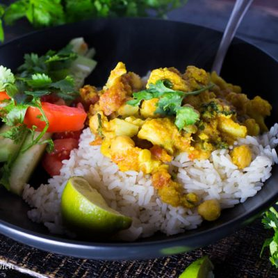 One Pot Chickpea and Cauliflower Curry