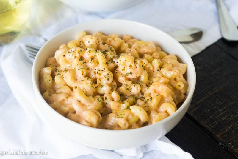 One Pot Super Creamy Mac And Cheese Ready In 20 Minutes Girl And