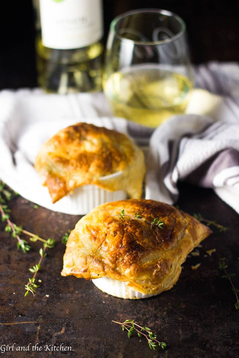 When Thanksgiving Day leaves behind a ton of leftovers, my mini pot pies are the answer! These mini pot pies are loaded with all your favorite Thanksgiving flavors and surrounded by an intensely flavored, creamy sauce. And with flavors this deep no one will ever know this delicious meal only took 30 minutes.