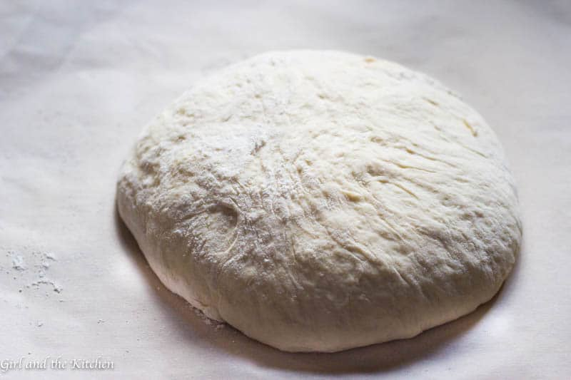 Forget getting out the mixer or the bread maker in order to achieve perfect homemade bread! This seriously crispy no knead bread requires no mixer, no dough hook nor any time to knead by hand! Magic happens quite simply with just a few pantry ingredients!