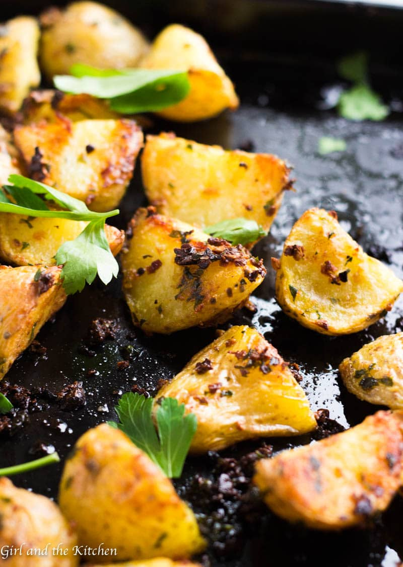 The perfect side dish to any meal are these garlic and herb roast potatoes! Learn the trick to making insanely crispy and perfect roast potatoes every, single time!