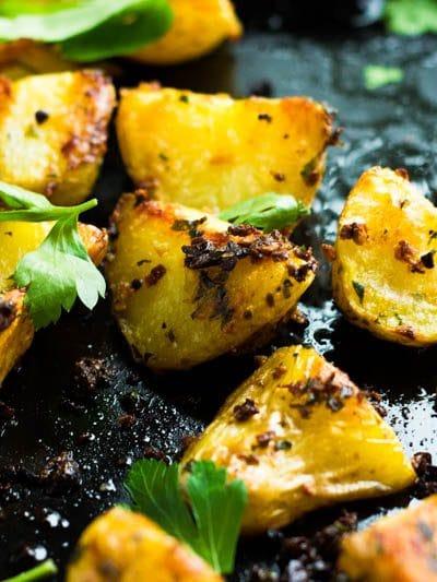 Garlic and Herb Roast Potatoes