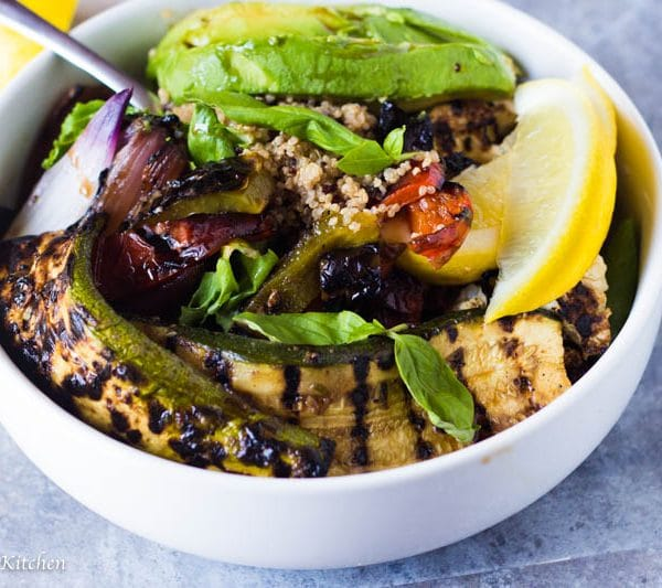 This super healthy Balsamic Roasted Vegetable Quinoa Bowl is loaded with good for you veggies, wholesome Minute® Ready to Serve White & Red Quinoa and a delicious and tangy balsamic glaze. Lunch will never be a boring salad again!