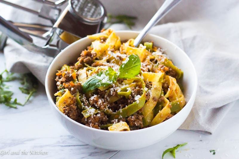 This delicious and hearty Instant Pot Bolognese cooks up in under an hour and has the complex flavors of a bolognese that has been simmering all day! Say hello to your favorite new meat sauce! As a bonus, learn the restaurantsecret that makes allrestaurant bolognese sovelvety!